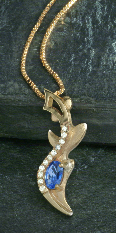 Thistle pendant with Sapphire & Diamonds